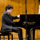 Ингмар Лазар, пианист